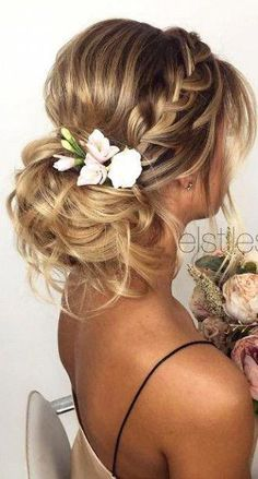 These wedding hairstyles updo are beautiful - Wedding Hair Styles Beach Wedding Hair, Short Wedding Hair, Wedding Hair Flowers, Wedding Hair And Makeup, Wedding Nail, Wedding Updo, Hair Up Styles Wedding, Wedding Headpieces, Short Prom