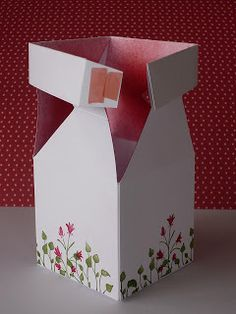 Just Add Ink: Guest Designer Tutorial - Impossible Box with Paula Dobson Box Template Maker, Paper Box Template, Origami Templates, Box Templates, Stampin Up Anleitung, Envelope Punch Board, Craft Bags, Foam Crafts, Paper Gifts