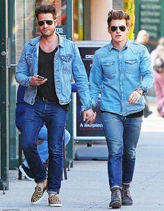 Jeremiah Brent and Nate Berkus in New York Citys West Village on April Nate Berkus, Cute Gay Couples, Couples In Love, Nate And Jeremiah, Just Beautiful Men, Men Kissing, Fashion Couple, Couple Outfits, Wedding Men