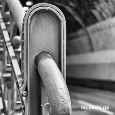 Markus Medinger Picture of the Day | Bild des Tages 29.01.2018 | www.mkmedi.de #mkmedi  #schwabtunnel  #instagood #photography #photo #art #photographer #exposure #composition #focus #capture #moment  #blackandwithe #schwarzweiss #urban #city #geländer #railing  #stuttgart #badenwuerttemberg #germany #deutschland  #365picture #365DailyPicture #pictureoftheday #bilddestages #streetphotography #wirzeigens #stuttgartblick  @badenwuerttemberg @visitbawu @0711stgtcty @deinstuttgart @0711stgtcty…