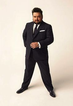 The Well-Dressed Man - El Iluminador Large Men Fashion, Mens Fashion, Chubby Men Fashion, Cool Suits, Suits You, Fat Man, Big Guys, Fitted Suit, Well Dressed Men