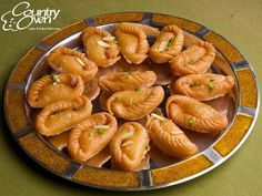 Send this tasty, soft & Juicy Kova puri to your loved ones @ countryoven.com. #Sweets #Indiansweets