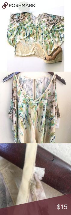 """🔸LoveStitch Boho Cold Shoulder Top🔸 🔸LoveStitch Boho Cold Shoulder Top in Medium. A Pastel Watercolor with a keyhole back and drapery Sleeves.  Condition : Pre-Owned pictures show any signs of wear.  🔸Approximate Measurements:  Length top to bottom: 20""""  🚭Non-Smoking Home Love Stitch Tops Blouses"""
