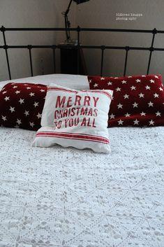 Loputonta remonttia vanhassa kaupassa, josta on tullut meidän koti. Bed Pillows, Pillow Cases, Merry, Pillows