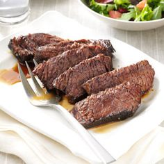 Marinated Chuck Roast Recipe- Recipes It's the simple marinade of orange juice, soy sauce, brown sugar and Worcestershire sauce that makes this beef roast so tasty and tender. Chuck Roast Recipes, Meat Recipes, Cooker Recipes, Marinated Chuck Roast Recipe, Chuck Roast Grill Recipe, Chuck Tender Roast Recipe, Cooking Chuck Roast, Chuck Roast In Oven, Chuck Eye Roast