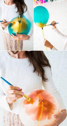 Como pintar globos para fiestas How to paint balloons for parties Balloon Columns, Balloon Garland, Balloon Decorations Party, Birthday Party Decorations, Balloon Painting, Paint Balloons, Hanging Balloons, Custom Balloons, Deco Ballon
