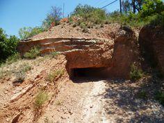 Publicamos un bunker en la Foradada perteneciente a la línea de defensa del Segre. http://www.rutasconhistoria.es/loc/bunker-les-forques