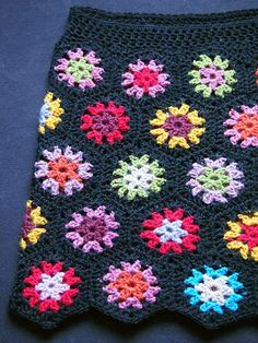 crochet waist of hexagon tube skirt ile ilgili görsel sonucu Granny Square Häkelanleitung, Granny Square Crochet Pattern, Crochet Granny, Crochet Motif, Crochet Stitches, Crochet Patterns, Skirt Patterns, Coat Patterns, Blouse Patterns