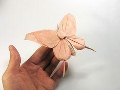 Nguyen Hung Cuong, Life-like Origami Animals, Butterfly on a finger tip Origami Butterfly, Butterfly Crafts, Butterfly Design, Paper Animals, Origami Animals, Nguyen Hung, Paper Art, Paper Crafts, Diy Origami