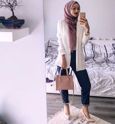 A cute work outfit! Observe me for extra hijab inspiration like this! A cute work outfit! Observe me for extra hijab inspiration like this! Modern Hijab Fashion, Hijab Fashion Inspiration, Muslim Fashion, Modest Fashion, Hijab Fashion Summer, Islamic Fashion, Modest Dresses, Modest Outfits, Modest Clothing