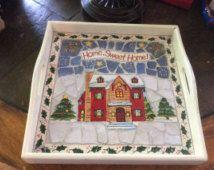 Vintage tegels Christmas omgaat met lade wit dienblad met prachtige handgemaakte