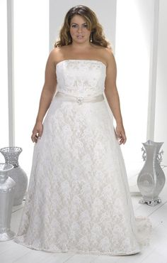 Plus Size Lace Wedding Dress | Strapless Bridal Gown for Plus Size Brides…