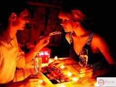 Романтический ужин для супруги. Практическое руководство https://www.fcw.su/blogs/otnoshenija/romanticheskii-uzhin-dlja-suprugi-prakticheskoe-rukovodstvo.html  Что может быть приятнее, чем делать сюрпризы любимому человеку? Согласитесь, ведь улыбка близкого человека это же и есть самое настоящее счастье! Кто же любит получать сюрпризы больше чем давать? Наверное, такого человека нет.