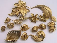 Vtg Crown Trifari Collection Lot Faux Pearl Cluster Set Earring Brooch Pin Leaf #CrownTrifari
