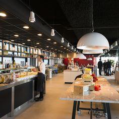#lampenundleuchten.at #Innenbeleuchtung #Deko #Außenbeleuchtung #Cafe #Restaurant Shops, Cafe Restaurant, Hotels, Shopping, Restaurant Bar, Restaurants, Interior Lighting, Deko, Tents
