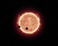 Preferentemente planetas del tamaño de la Tierra con mucha agua. Ilustración de planetas del tamaño de la Tiera en órbita alrededor de una estrella enana roja. Simulaciones por computadora realizadas por astrofísicos de la Universidad de Berna sobre la formación de planetas en órbita dentro de la zona habitable de estrellas de poca masa, como Proxima Centauri, muestran que estos planetas es muy probable que tengan aproximadamente el tamaño de la Tierra y contengan grandes cantidades de agua.