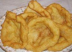 Receita de Filhós à Moda do Paul (Covilhã)   Doces Regionais Portuguese Desserts, Portuguese Recipes, Portuguese Food, Donut Recipes, Snack Recipes, Pita, Biscuits, Little Cakes, Pastry Cake