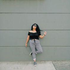 ✨#psootd ✨ Los pensamientos negativos nunca te darán una vida positiva... El problema no es tu cuerpo, sino tu percepción de él 😉✌💋 Total look de @forever21 #yocurvilinea #arhemolina #curvyblog #plussizefashion #mequierocomosoy #casi34 #f21xme