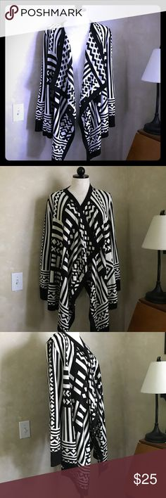 "Multiples Aztec Open Cardigan Plus 1X Gorgeous black & white Aztec print open Cardigan Women's 1X   31"" back neck to hem. 26""across frack chest  26"" down arm  100% acrylic Multiples Sweaters Cardigans"