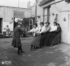 Grup de noies, Barcelona, 1914-1936. Autor: Carles Fargas i Bonell (AFCEC_FARGAS_X_00807)