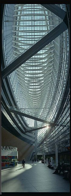 Tokyo International Forum Building, Japan  ----> follow board http://pinterest.com/riccai/