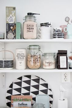 Vorratsdosen - Decoration For Home Kitchen Interior, Interior And Exterior, Kitchen Design, Kitchen Decor, Interior Design, Kitchen Shelves, Kitchen Storage, Kitchen Styling, Open Shelves