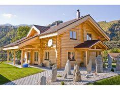 Alpine Chalet - #Einfamilienhaus von Honka Blockhaus GmbH | HausXXL #Blockhaus #Landhausstil #Satteldach