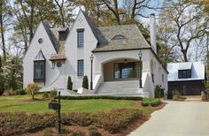 English Cottage Exterior Designs With Modern Style - English Cottage Exterior, Painted Brick Exteriors, Ranch Remodel, Tudor House, Tudor Cottage, House Goals, Cottage Homes, Exterior Design, Grey Exterior