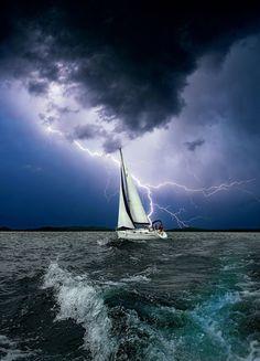 Un mal día para navegar ⛵⛈