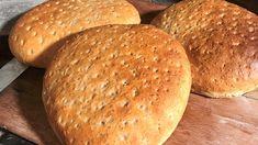 I jula er det deilig med enkelt, nybakt brød til frukosten. Food And Drink, Sweets, Good Stocking Stuffers, Goodies, Candy, Postres, Treats, Deserts