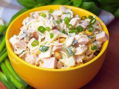 Szefowa w swojej kuchni. ;-): Imprezowa sałatka z selerem konserwowym