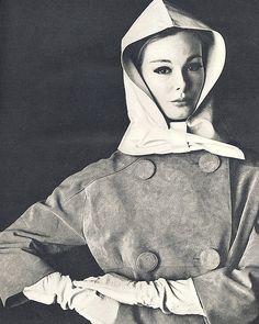 Monique Chevalier, photo by Irving Penn, Vogue 1962