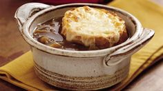 Slow Cooker French Onion Soup -I made this a few nights ago & it was lovely. My regular French onion soup recipe calls for some white wine added to it so I think next time I make this in the slow cooker I will add about of white wine. Onion Soup Recipes, Ww Recipes, Slow Cooker Recipes, Cooking Recipes, Recipies, Healthy Recipes, French Recipes, Recipes Dinner, Sweet Recipes