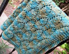 Ravelry: Baby Chalice Blanket pattern by Karen S. Knitted Baby Blankets, Knitted Blankets, Baby Blanket Crochet, Crochet Baby, Knitting Patterns, Crochet Patterns, Blanket Patterns, Knitting Ideas, Knitting Projects