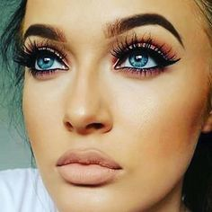 Obsessed with this look.. Big lashes and nude lips  #lashes #lips #makeuplover #makeupaddict #beauty