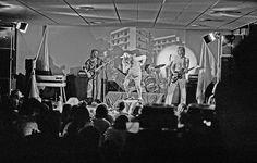 Jørgen Jakobsen, 65, Lyngby. Røde Mor med Troels Trier i forgrunden og i midten giver koncert i Studenterhuset på DTU (1975).