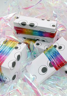 DIY | Googly Eyes wrapping paper printable // Geschenkpapier zum ausdrucken *lustige Wackelaugen*