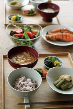 Japanese Breakfast (Grilled Salmon, Fresh Salad, Simmered Mountain Vegetables, Rice, Miso Soup) 休日の朝ごはん
