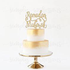 Eid Mubarak Cake Topper Made of Wood. Comes in 9 finishes Ramadan Decorations, Festival Decorations, Holiday Decorations, Eid Dessert Recipes, Eid Recipes, Desserts, Fest Des Fastenbrechens, Eid Mubarak Greetings, Ramadan Mubarak