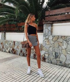 33 beautiful outfits for your vacation Womens fashion Behind The Scenes By unreaping spring style Fashion Outfits Summer 2019 19 Trendy Ideas Source by marleensophieschweizer outfits teenage Hallow Skirt – Red, 12 Boyfriend Jeans Trendy Summer Outfits, Spring Outfits, Casual Outfits, Casual Summer, Summer Outfits For Vacation, Bar Outfits, Vegas Outfits, Summer Dresses, Teen Dresses