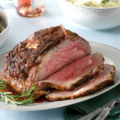 Seasoned Ribeye Roast Recipe -This is a very special and savory way to prepare a boneless beef rib roast. Gravy made from the drippings is exceptional. You can also use a ribeye roast with excellent results. Rib Recipes, Roast Recipes, Grilling Recipes, Cooking Recipes, Dinner Recipes, Entree Recipes, Turkey Recipes, Yummy Recipes