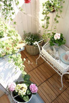 Az én kis fehér Otthon: erkély a tengeri és zöld Kenu Stílus