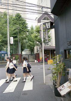 神保町 歩く学生たち Chiyoda-ku, Tokyo by ymtrx79g on Flickr.