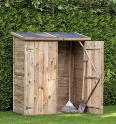 Small Garden Shed - As with most backyard buildings, there are many ways to design and build a storage shed. Small Garden Buildings, Backyard Buildings, How To Build Small Garden Shed, Cottage Garden Sheds, Palette Garden, Building A Storage Shed, Plastic Sheds, Wood Shed, Potting Sheds