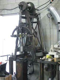Forging Hammer, Blacksmith Hammer, Metal Bending Tools, Metal Working Tools, Homemade Machine, Power Hammer, Blacksmithing, Metal Art, Ceiling Lights