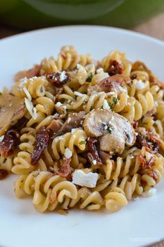 Slimming Slimming Eats Bacon, Mushroom and Sun-Dried Tomato Pasta - gluten free, dairy free, Slimming World and Weight Watchers friendly - Slimming World Pasta, Slimming World Dinners, Slimming Eats, Slimming World Recipes, Slimming Word, Healthy Pasta Recipes, Pasta Salad Recipes, Cooking Recipes, Meal Recipes