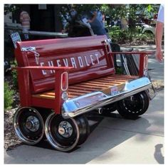 Repurposed Car Parts - Chevy Tailgate Bench Car Part Furniture, Automotive Furniture, Automotive Decor, Furniture Design, Furniture Ideas, Automotive Upholstery, Garage Furniture, Up Auto, Old Car Parts