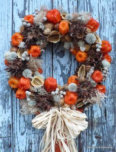 Making autumn decorations yourself - 15 DIY craft ideas - making with wool - Diy Fall Decor Autumn Wreaths, Christmas Wreaths, Christmas Decorations, Holiday Decor, Fall Arrangements, Autumn Crafts, Pumpkin Decorating, Dried Flowers, Fall Halloween