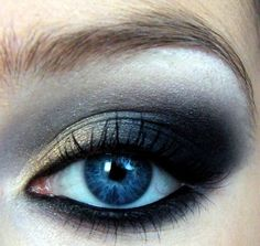 Smokey eye for dark blue eyes like mine. Too heavy on the lower eye liner though...
