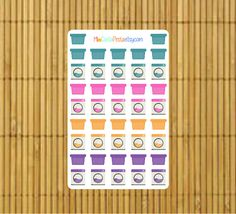 Never forget to do your laundry with these great Laundry Stickers for your planner by MioCartaPesta.